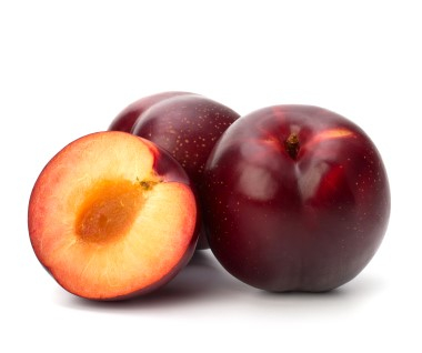 NEW ZEALAND ORGANIC FORTUNE PLUMS